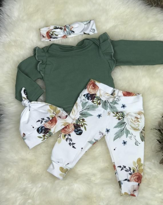 Photo of Nouveau-né Girl Coming Home Outfit in Earthtones, Newborn Girl Photography Outfit; Floral d'aquarelle, fille de chéri, fille de prémie, douche de chéri