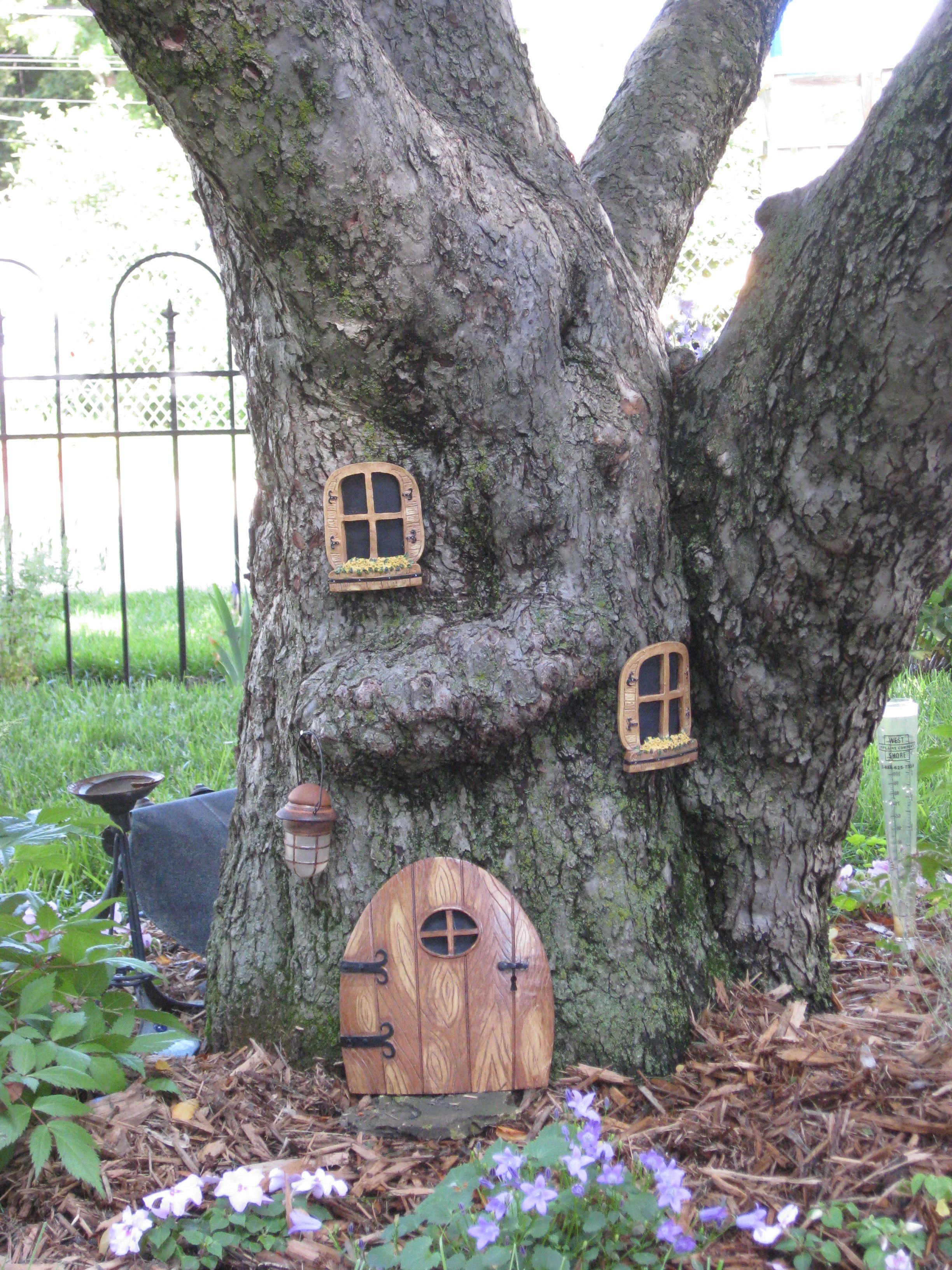 Fairy tree, fun to make on old tree stump for the children.