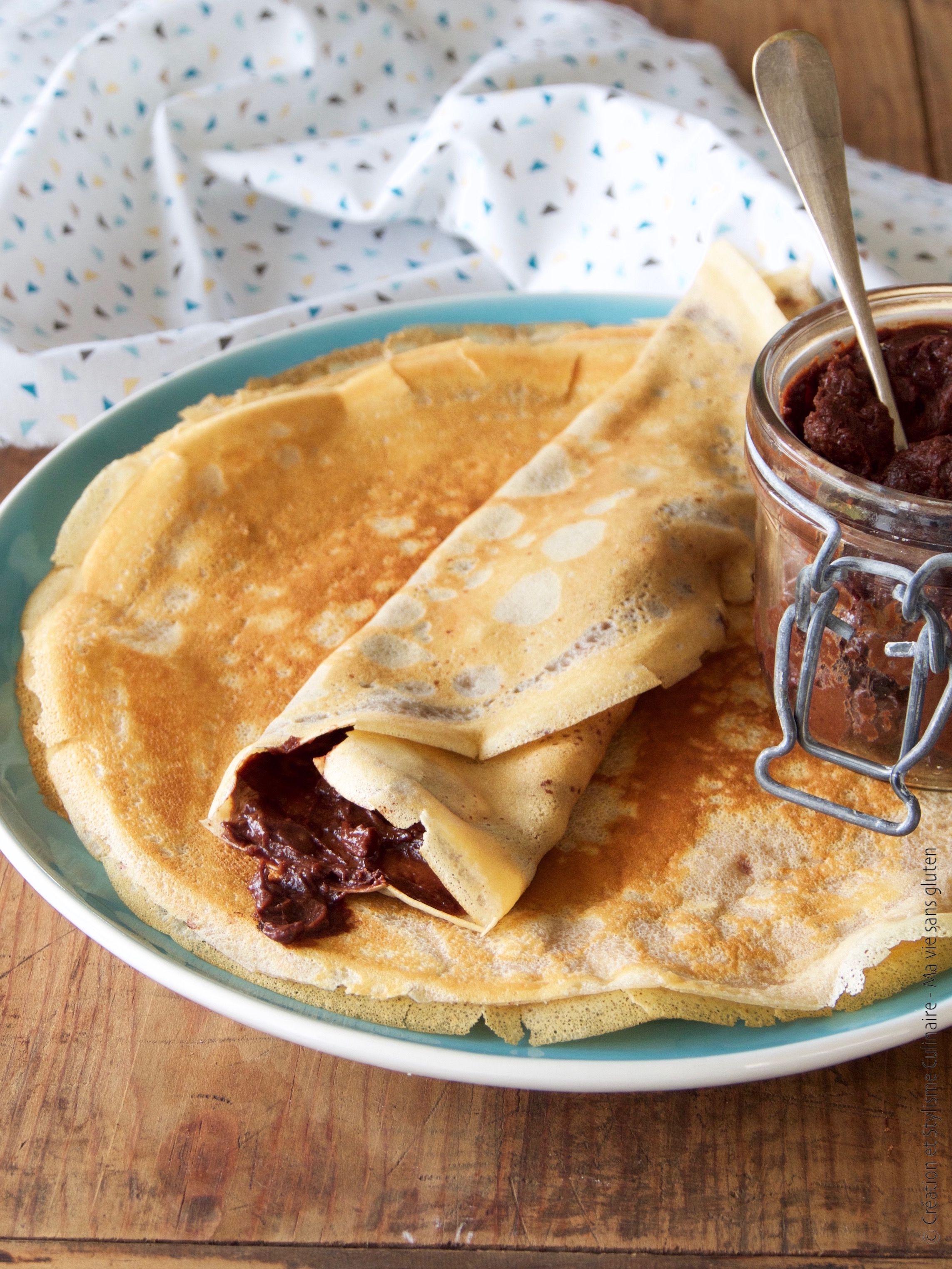 Crêpes sans gluten à la farine de châtaigne avec une pâte ...