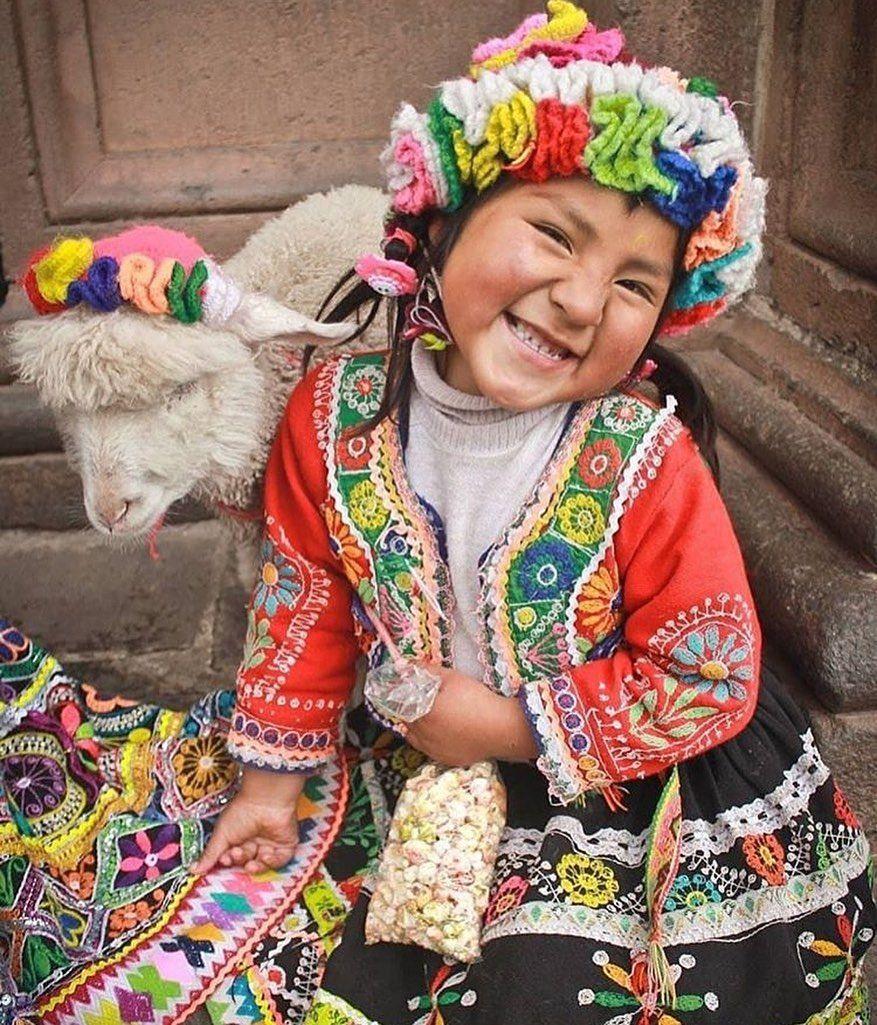 Cusco Perú Agencia De Viaje On Instagram Una Hermosa Postal Desde Cusco Perudestinations Peru Clothing Beautiful Children Kids Around The World