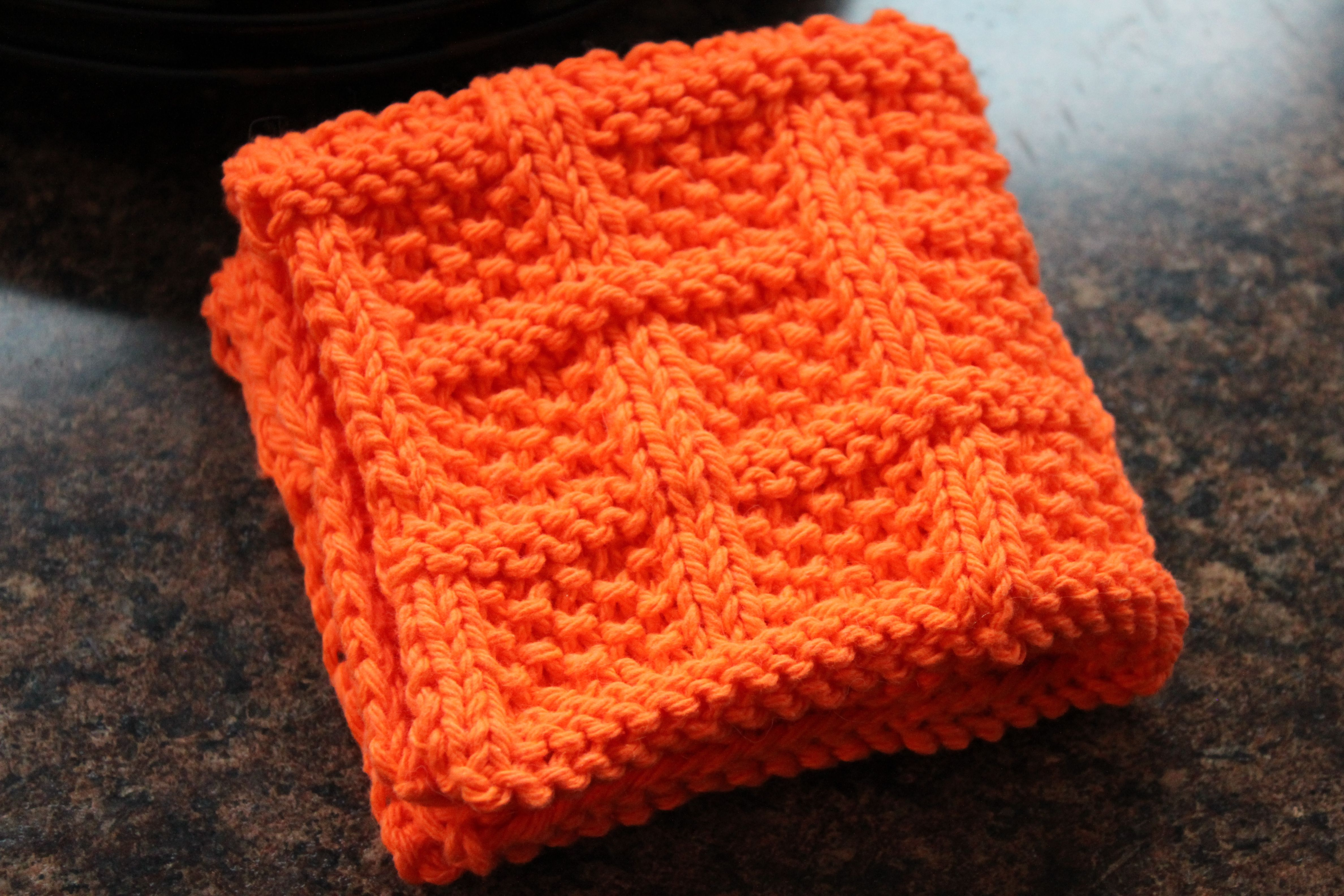 Square Lattice Dishcloth | Knitted dishcloth patterns, Knitted ...