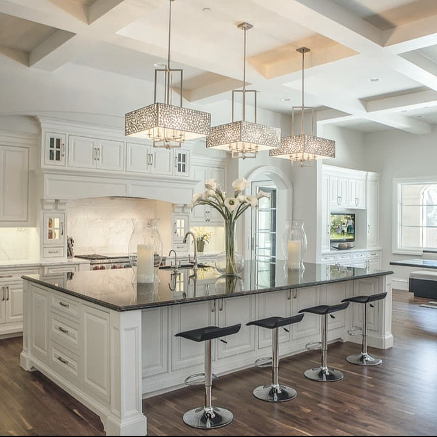 Family Kitchen Design Ideas For Cooking And Entertaining: Gorgeous Neutral Color Palette With Whimsical Touches