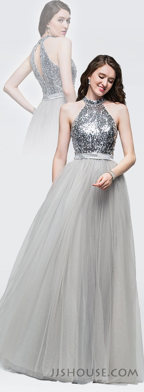 Graceful and beautifulthis tulle prom dress has the midas touch