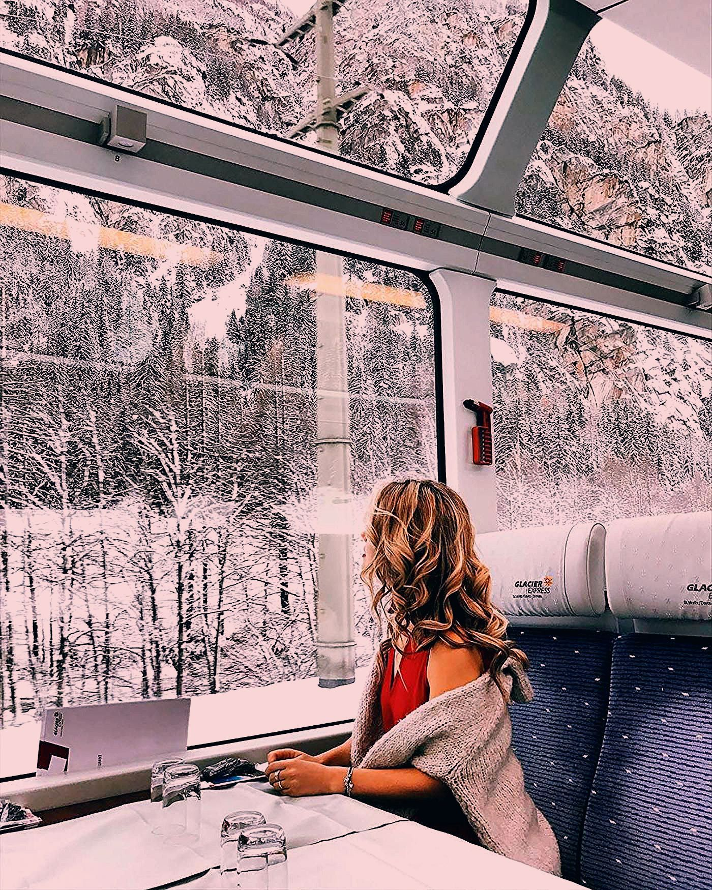 Photo of We Can Hardly Believe This Train Ride Through the Swiss Alps Is Real