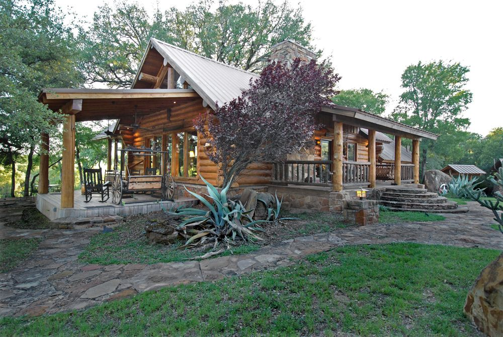 Another wood mizer produced southwest log home in san for Log cabin home builders in texas