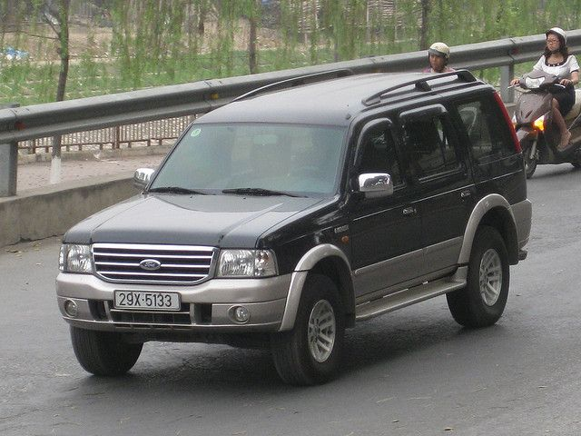 Ford Everest     http://choxeviet.com/  http://choxeviet.com/ford/-i22/everest-j71.aspx
