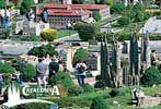 Catalunya en Miniatura es el complejo turístico cultural en miniatura más grande de Catalunya.Es una muestra viva y permanente que exterioriza la realidad cultural, folklórica y costumbrista de todos sus pueblos para un mejor conocimiento de los mismos, de sus peculiaridades y de sus gentes, fortaleciendo con ellos sus lazos de amistad y de esfuerzo común.