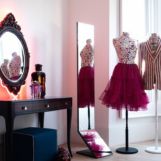 Dramatic dressing area | Bedroom ideas for teenage girls | Decorating ideas  for girls rooms |