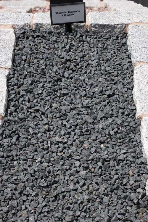 Decorative Aggregates Black Basalt Chippings 10mm Products Bannold Co Uk Decorative Aggregates Landscape Stone Black Basalt