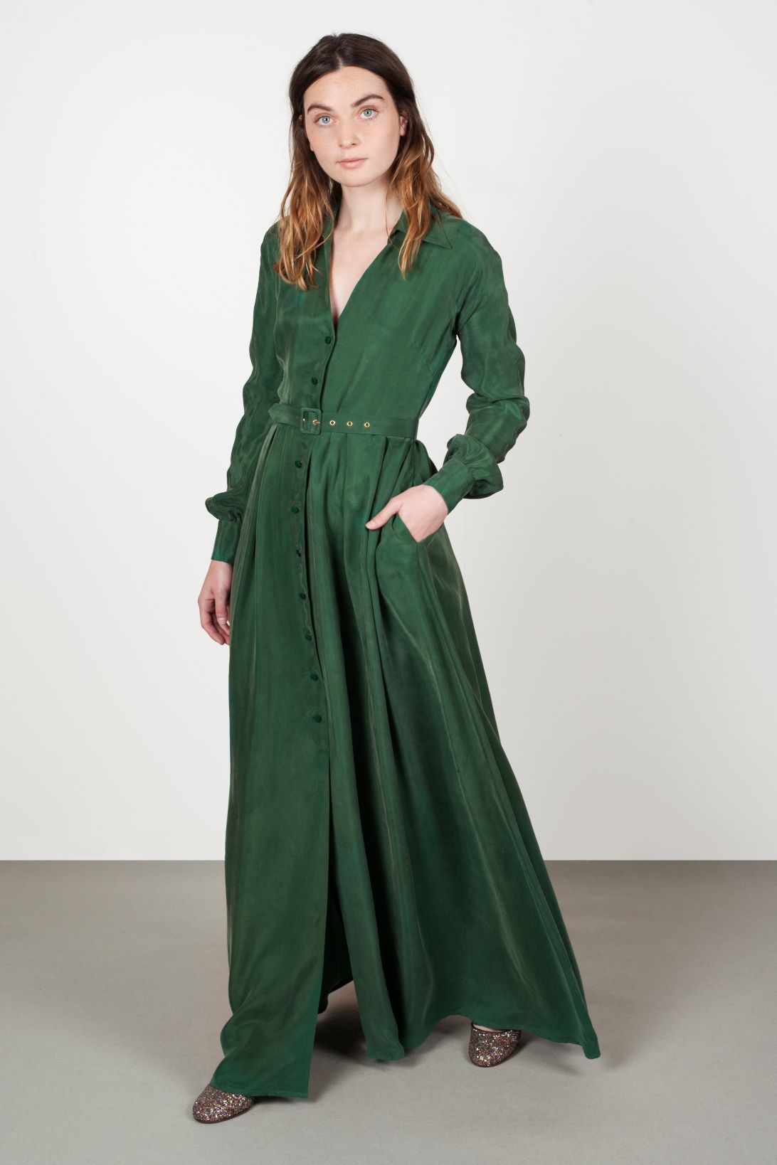 69663f5e9286 Vestido camisero largo PUBOL verde - green long shirt dress - vestito lungo  verde