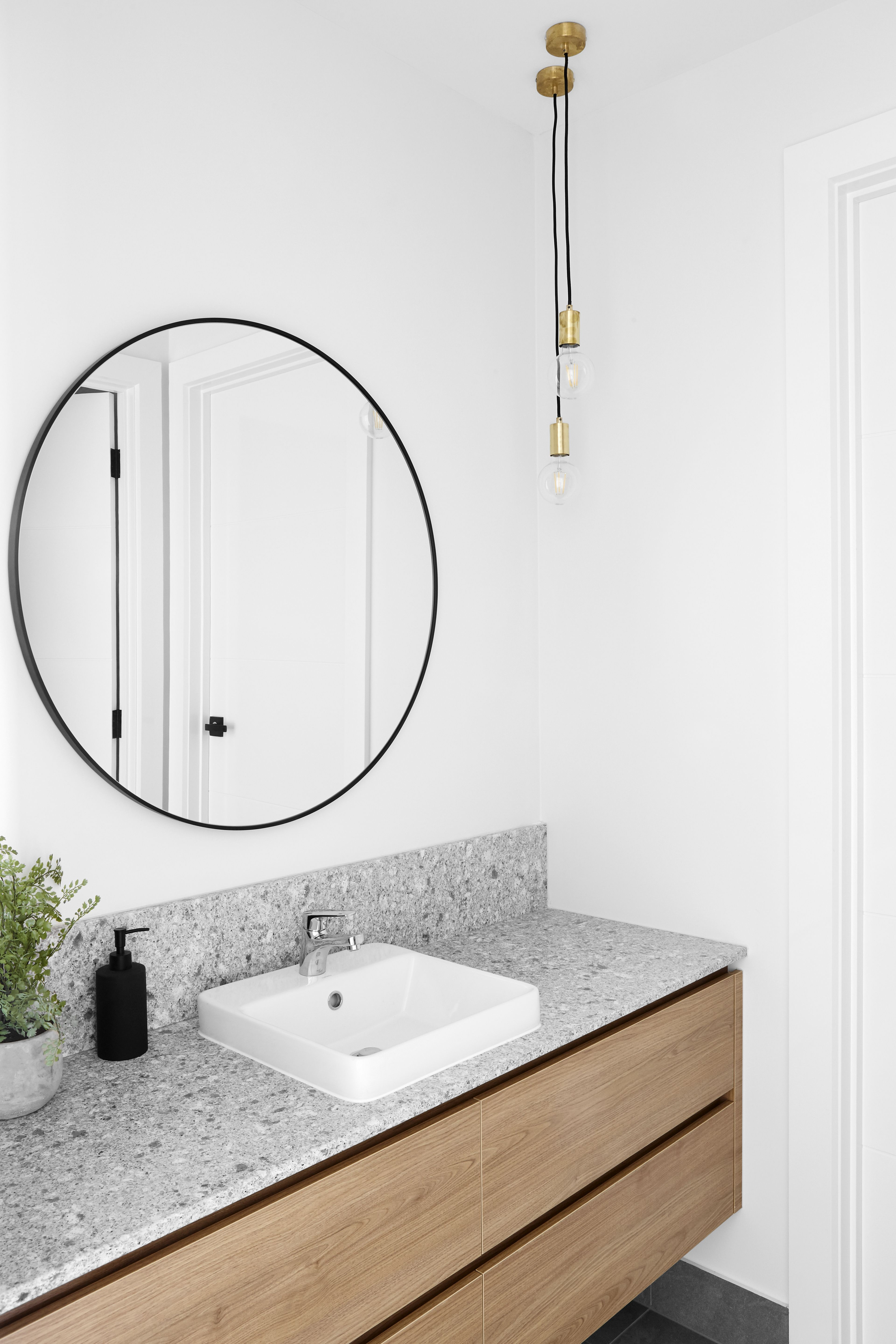 Huge Mirror How Gorgeous Is This Huge Mirror Bathroom Inspiration From Tek