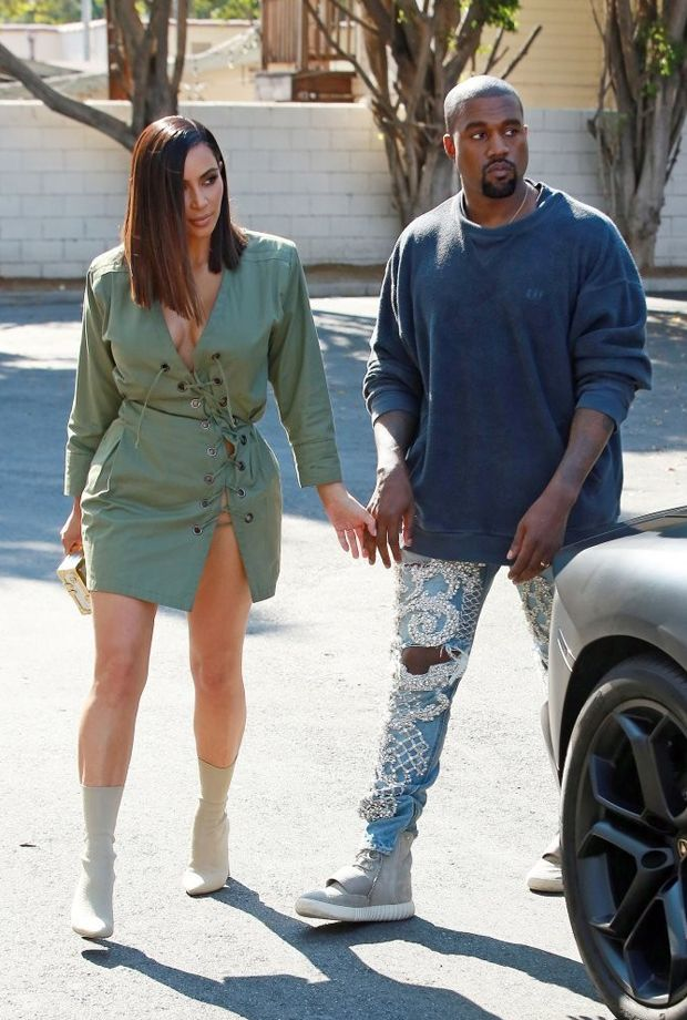 Kanye West in the adidas Yeezy Boost 750 Grey/White