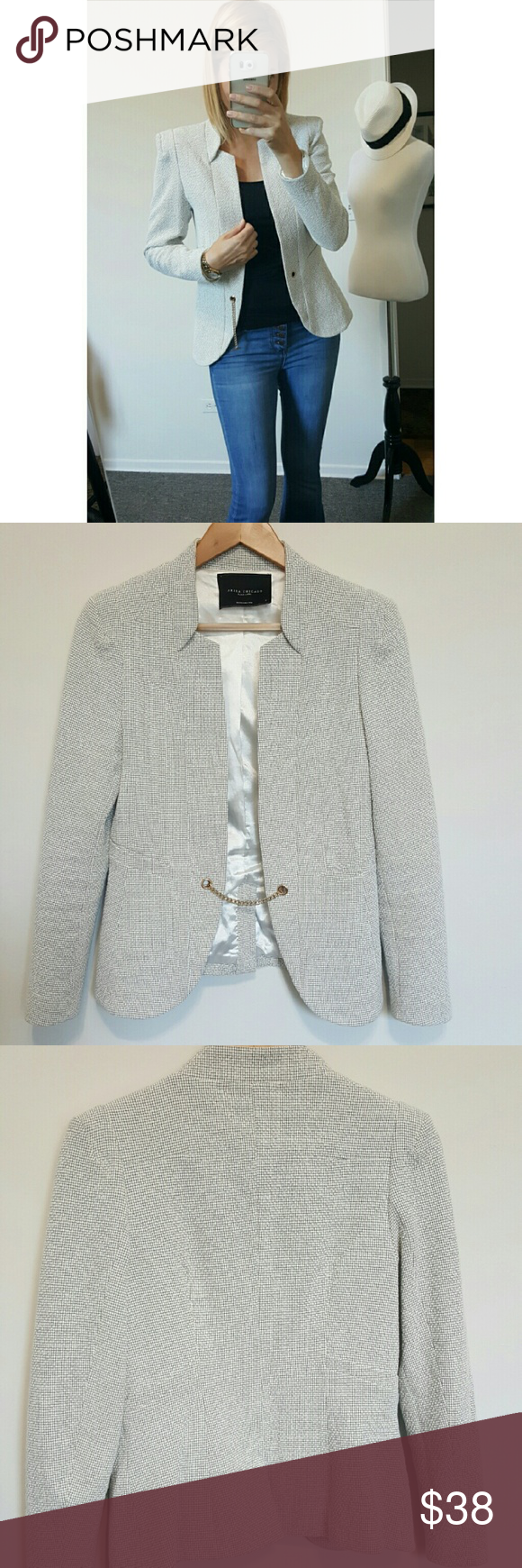 AKIRA Textured Blazer This is a gorgeous Akira blazer in great condition. No stains,  tears,  or flaws.  Has a gold chain latch for a unique style. This can be worn to work or going out on the weekends! AKIRA Jackets & Coats Blazers
