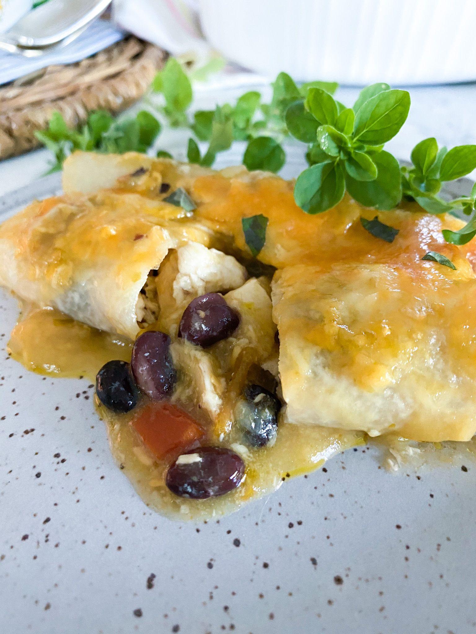 Jicama Chicken Enchiladas Desocio In The Kitchen Recipe In 2021 Chicken Enchiladas Delicious Healthy Recipes Wrap Recipes