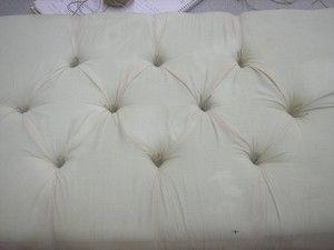 Hoy vamos a aprender a hacer el tapizado capitoné, con el que podemos conseguir un elegante y sofisticado acabado.