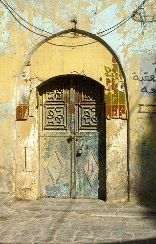Old But Beautiful Windows Doors Door Entryway Unique Doors