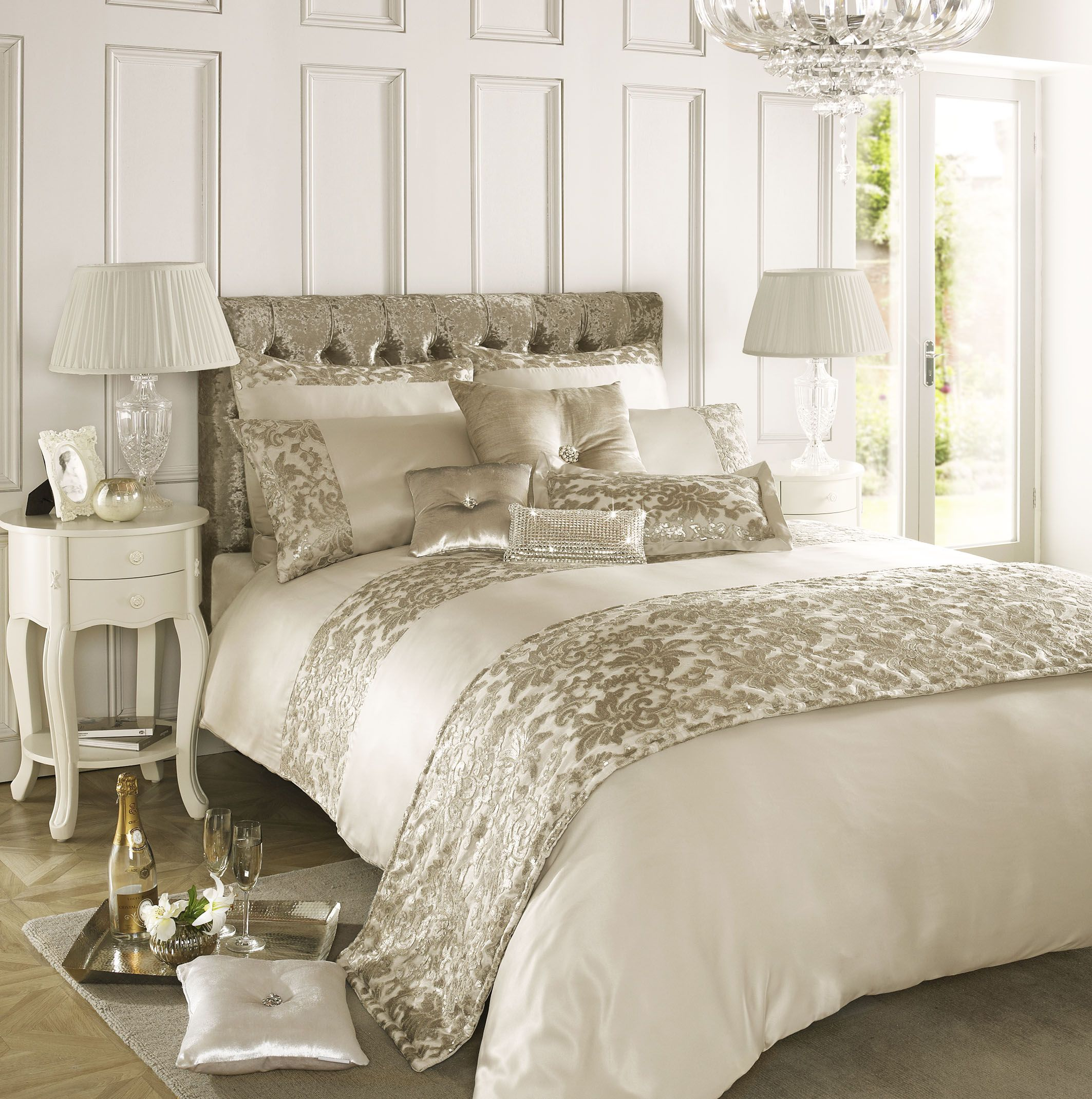 kylie bed linen sale