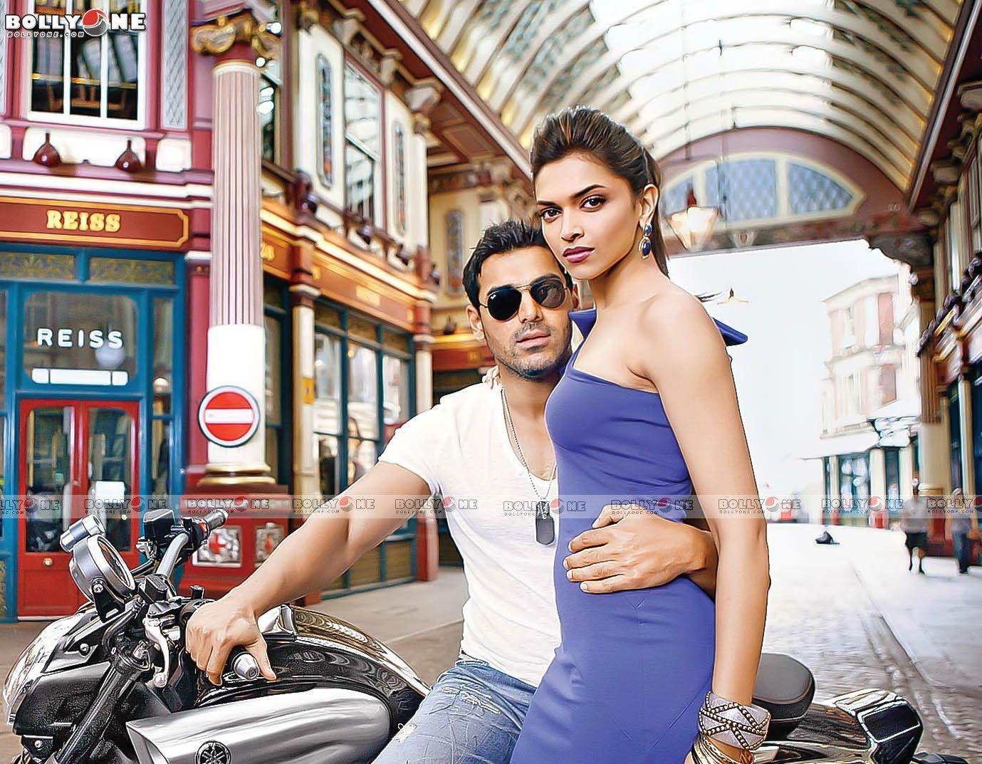 Deepika Padukone & John Abraham (Desi Boyz Movie ...