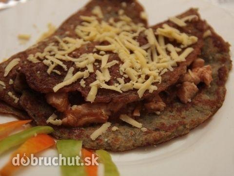 Zemiakové placky plnené kuracím soté - Je to u nás obľúbená pochúťka, zemiakové placky nám chutia aj bez mäsa.