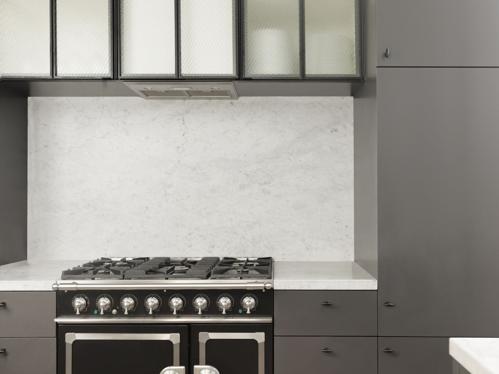 classic + contemporary // kitchen inspiration by Nicolas Schuybroek ...