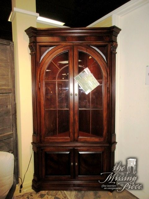 Stunning Ethan Allen Corner Cabinet In A Rich Dark Finish There Are Two Gl Shelves