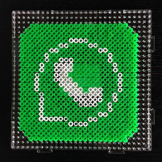WhatsApp logo perler beads by Didi Hölper (avec images