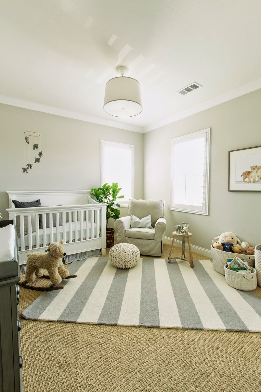 Babyzimmer Neutral The Honeybee Luca S Neutral Nursery All About Children Mom