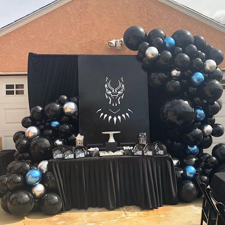 Black Panther Themed Balloon Garland ᅠᅠ ᅠᅠ Balloongarland Balloondecor Balloonde Black Party Decorations Black Party Black Panther Party