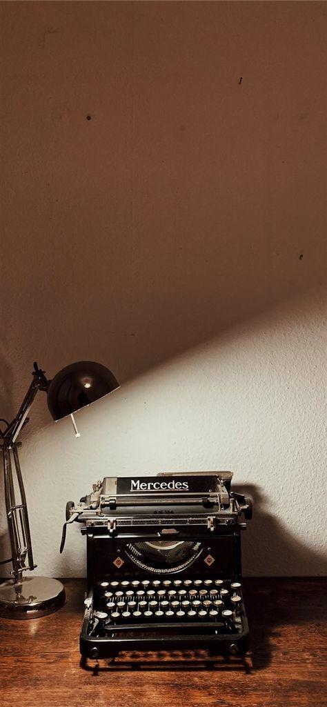 Typewriter iPhone X Wallpapers