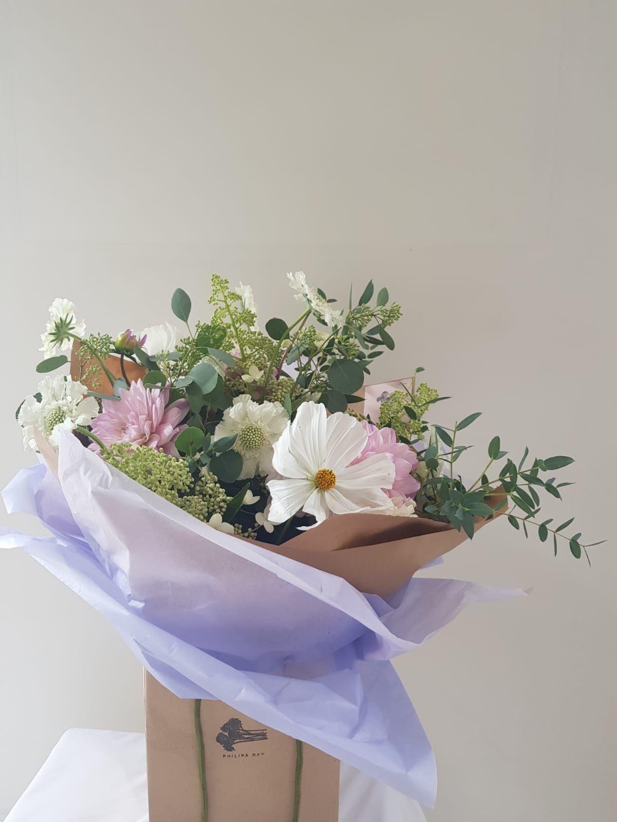 Handtied bouquet Hand tied bouquet, Flower subscription