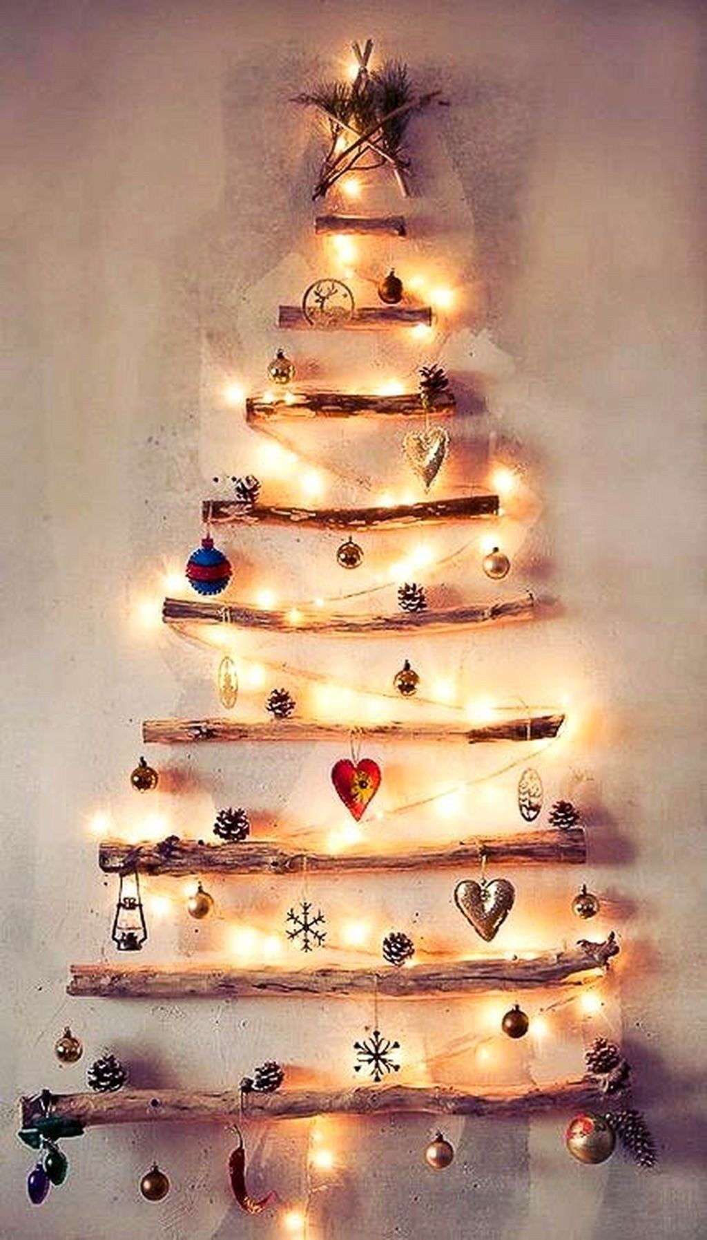 Brilliant And Inspiring Recycled Christmas Tree Decoration Ideas 12 ...