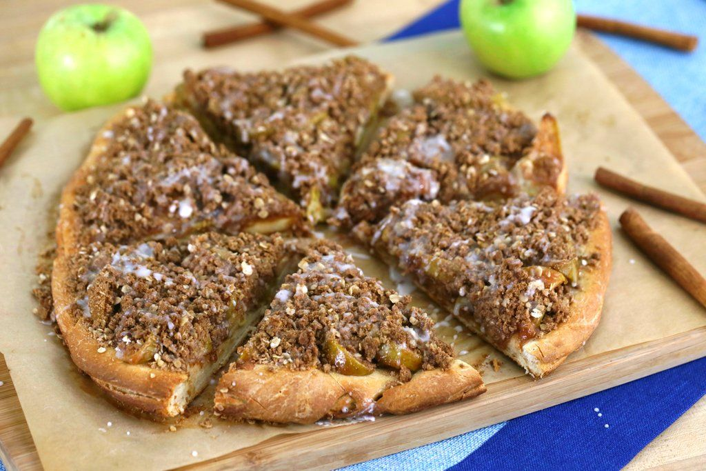 Apple Pie Pizza Pie—America's Favorite 2Piesin1 Apple