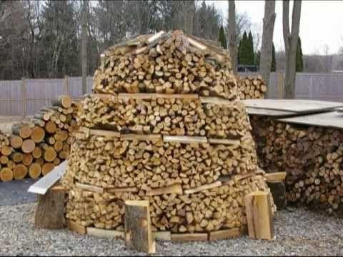 How To Build A Holz Hausen Wood House Beehive Woodpile Holzmiete Holz Haufen Youtube Drova V Les Hraneniya Drov