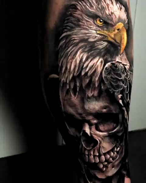 💀🙏🏻⚡👏 Skull & Hawk Artist: @daniel.herrera.tattoo  ——————————————————————— ⚜️FOLLOW⚜️ @skingiants for daily tattoos! Sharing only the best tattoos Artists on instagram —————————————————————— #realismtattoo #blackandgreytattoo #skingiants #tattooist #tattoolove #tattooed #tattoosleeve #tattoodesign #tattoolover #tattooworld #tattoosofinstagram #tattoolovers #tattooleg #inked #tat #tats