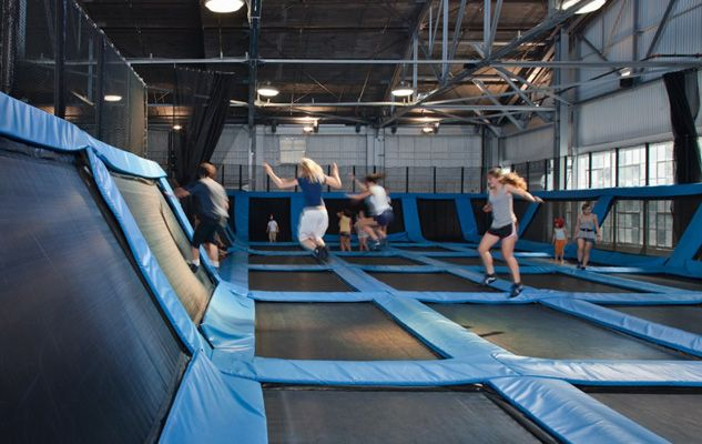 House Of Air Trampolines Omg I Would Go Nuts If I Was In This Room Plus Its Fun And Great Exercise Trampoline Park Trampoline Buena Park Mall