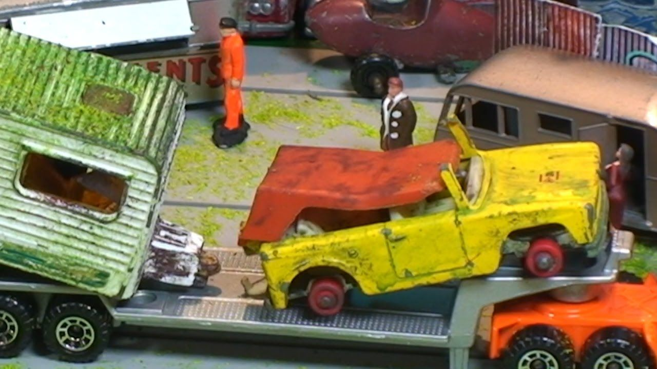 Old Toy Car Junkyard Videos For Kids Coche De Juguete With