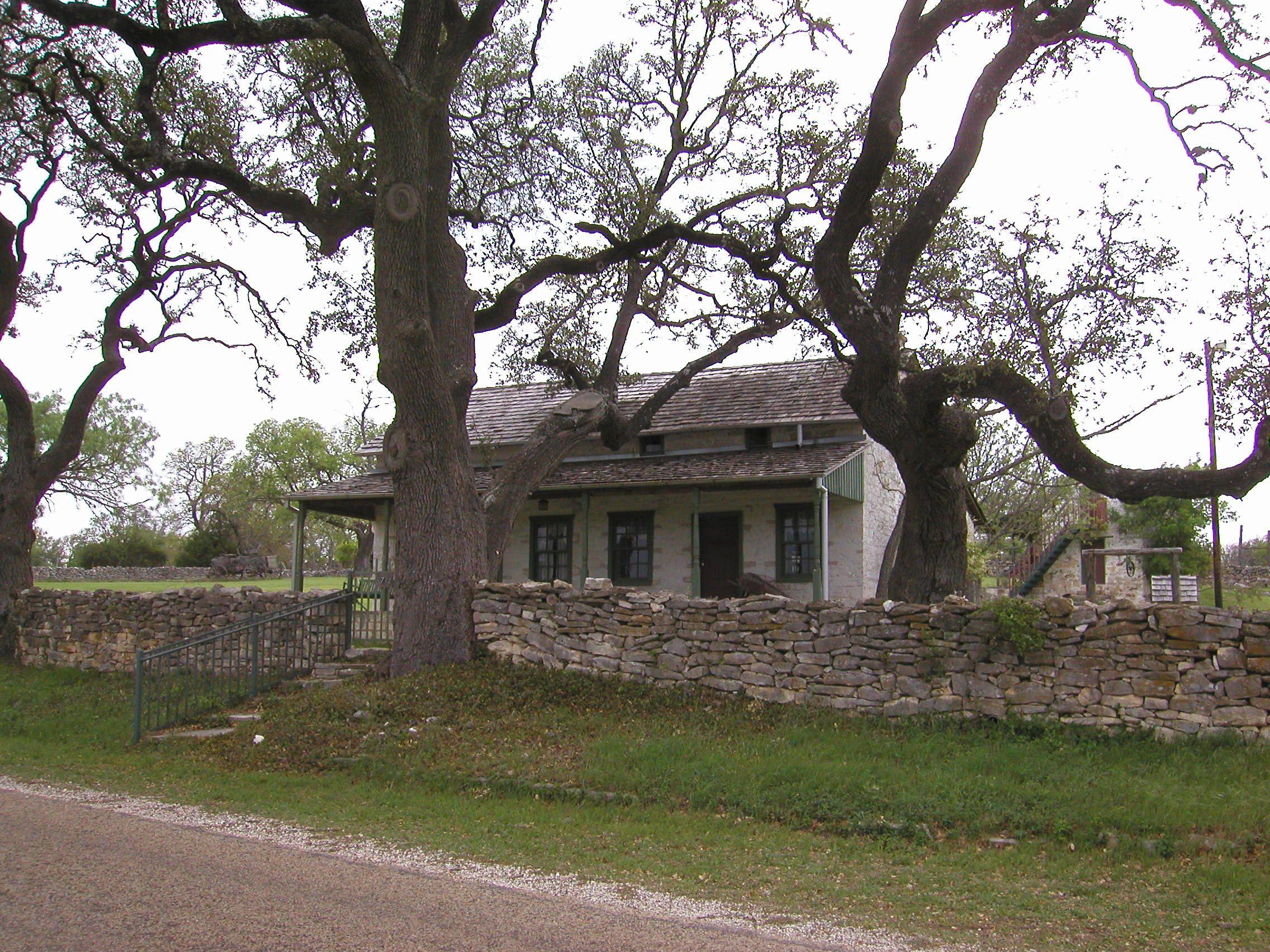 Old Stone House And Stone Fence Old Stone Houses Backyard Fences Stone Houses