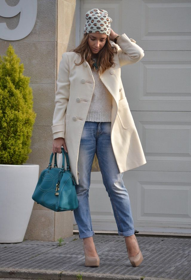 Street Style Inspiration // ugly hat.  love the coat- but not with the way casual jeans and sweater.  but love the casual jeans and sweater