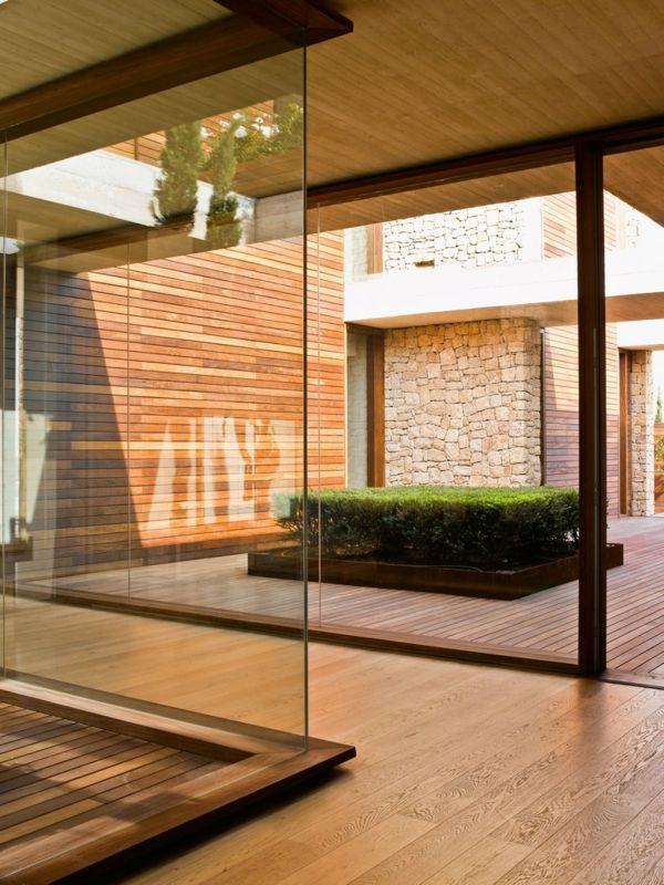 modernes haus design spanien innenhof hausbau. Black Bedroom Furniture Sets. Home Design Ideas