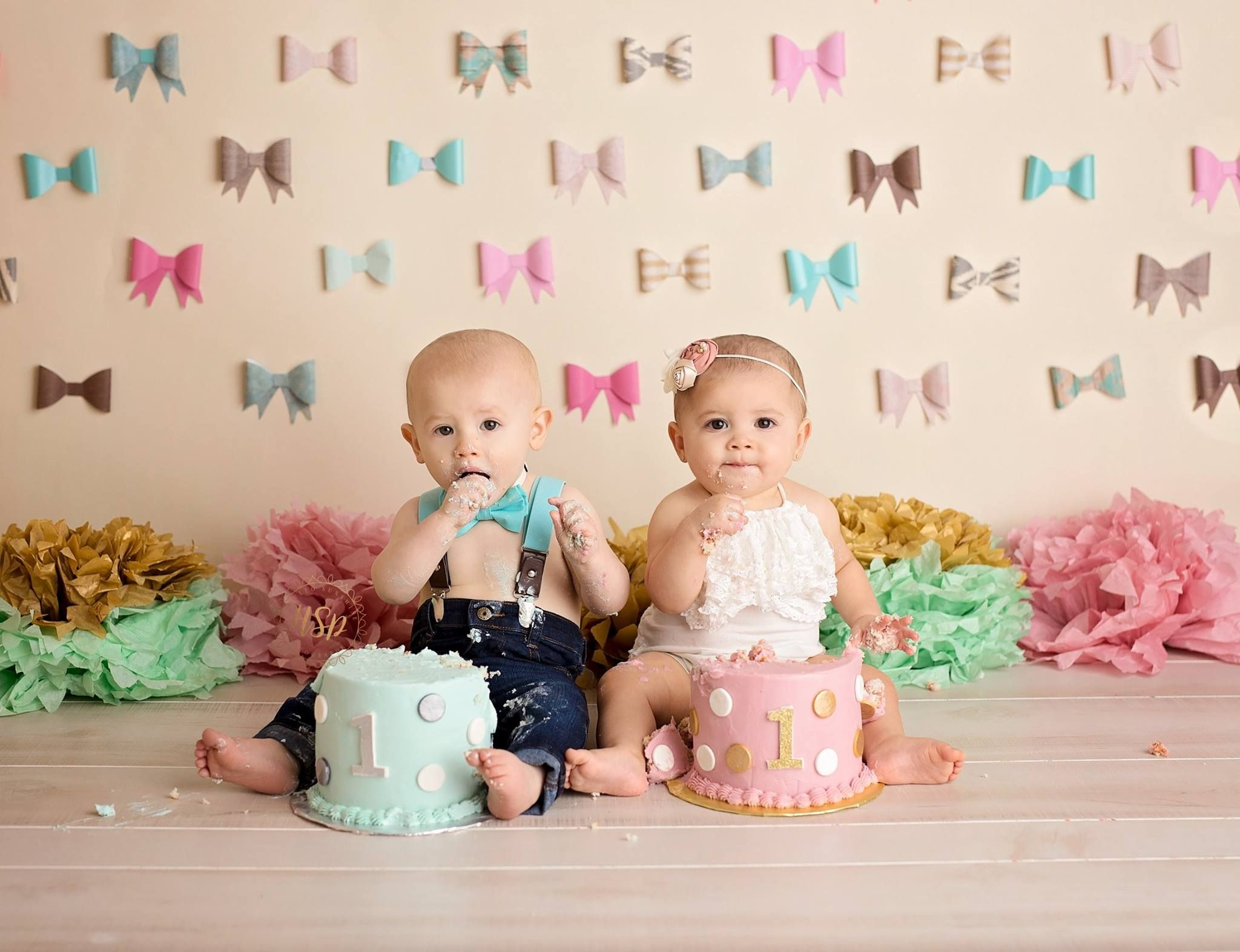 Boy and Girl twins cake smash. Hair bows and bow ties ...