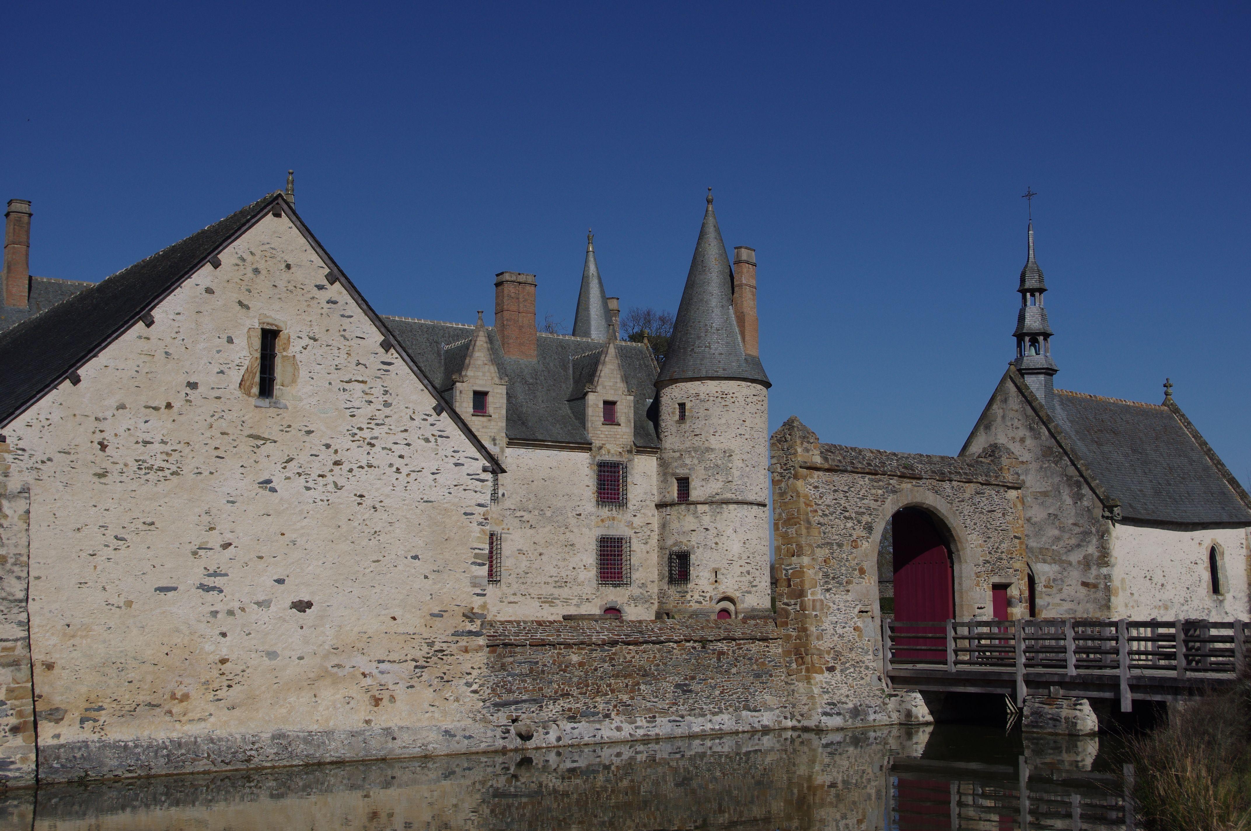 Haute Cour Du Chateau Le Bois Orcan Classe Mh Jardin Medieval