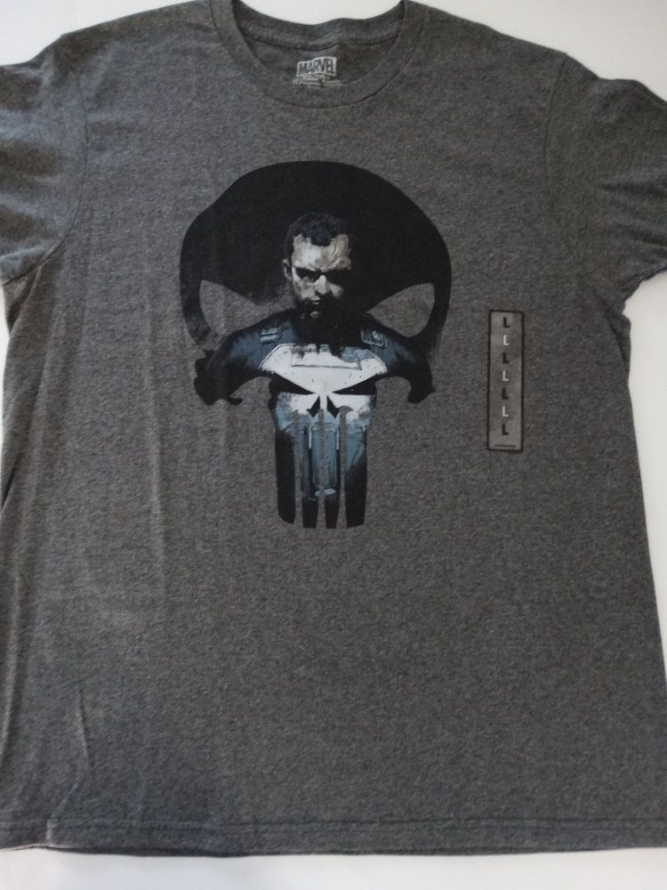 bb21b17cee524 The Punisher Frank Castle In Skull Logo Marvel Comics T-Shirt  Marvel   GraphicTee