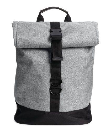 graumeliert rucksack aus webstoff mit details aus lederimitat rolltop modell mit. Black Bedroom Furniture Sets. Home Design Ideas
