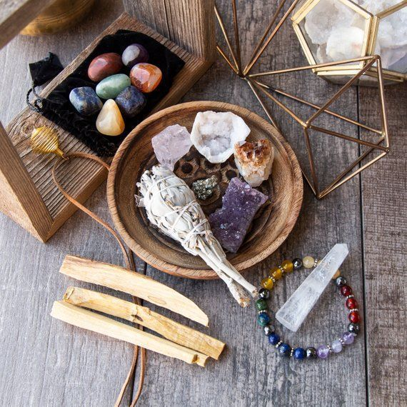 Wearable Healing Crystals Set and Smudging Discove