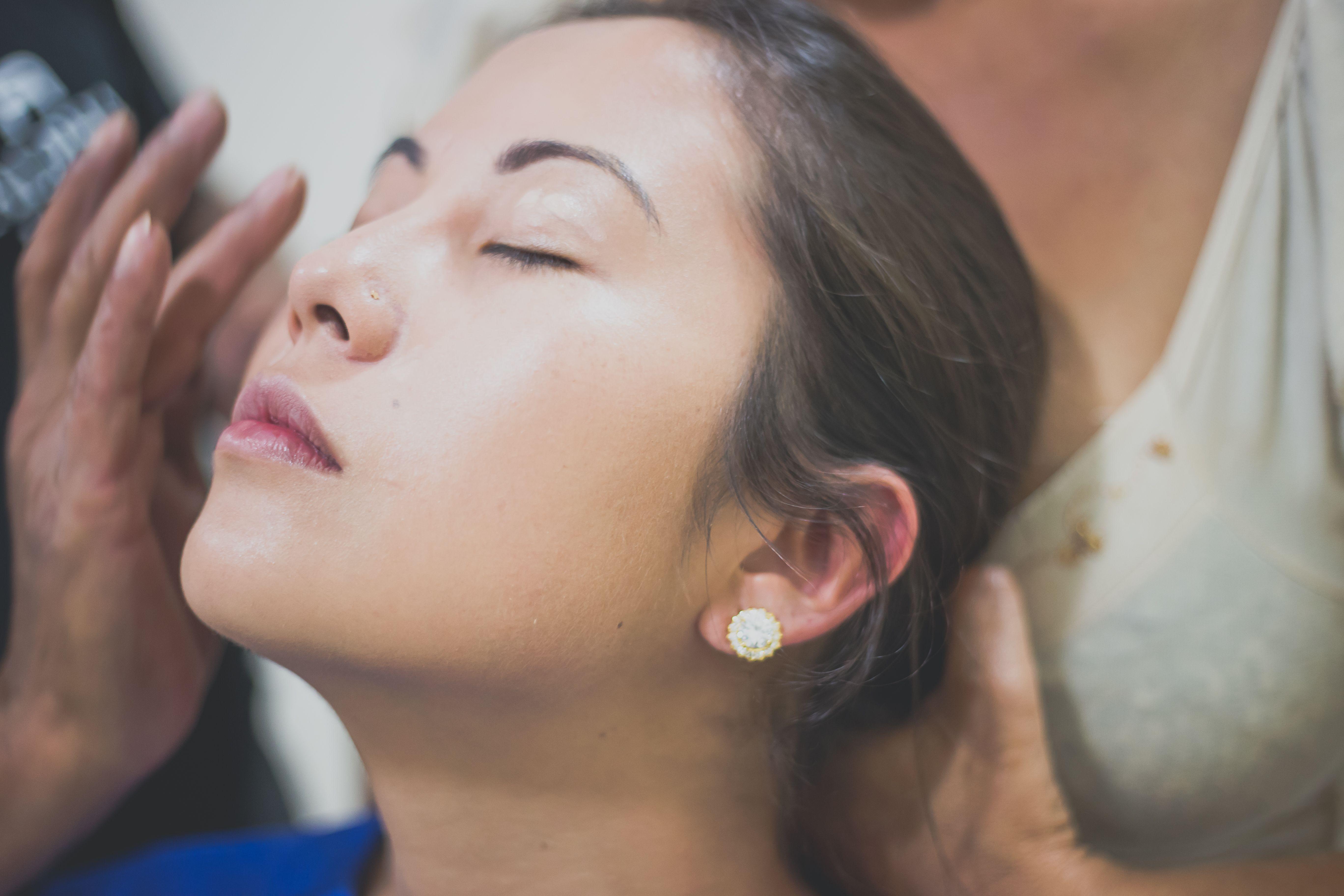 A Dra. Fanny usa todas as novidades da Medicina Estética para cuidar da sua pele na Clínicas Anzai com o programa de rejuvenescimento facial, de pescoço, colo e mãos!!!