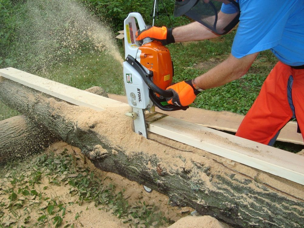 Lumber cutting chainsaw mill guide attachment tool for boards FREE SHIPPING!