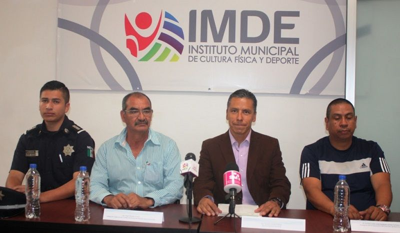 La instancia municipal colaborará en el desarrollo del Torneo Estatal Universitario de Handball, el cual se realizará los días 26 y 27 de febrero en las instalaciones de la unidad ...