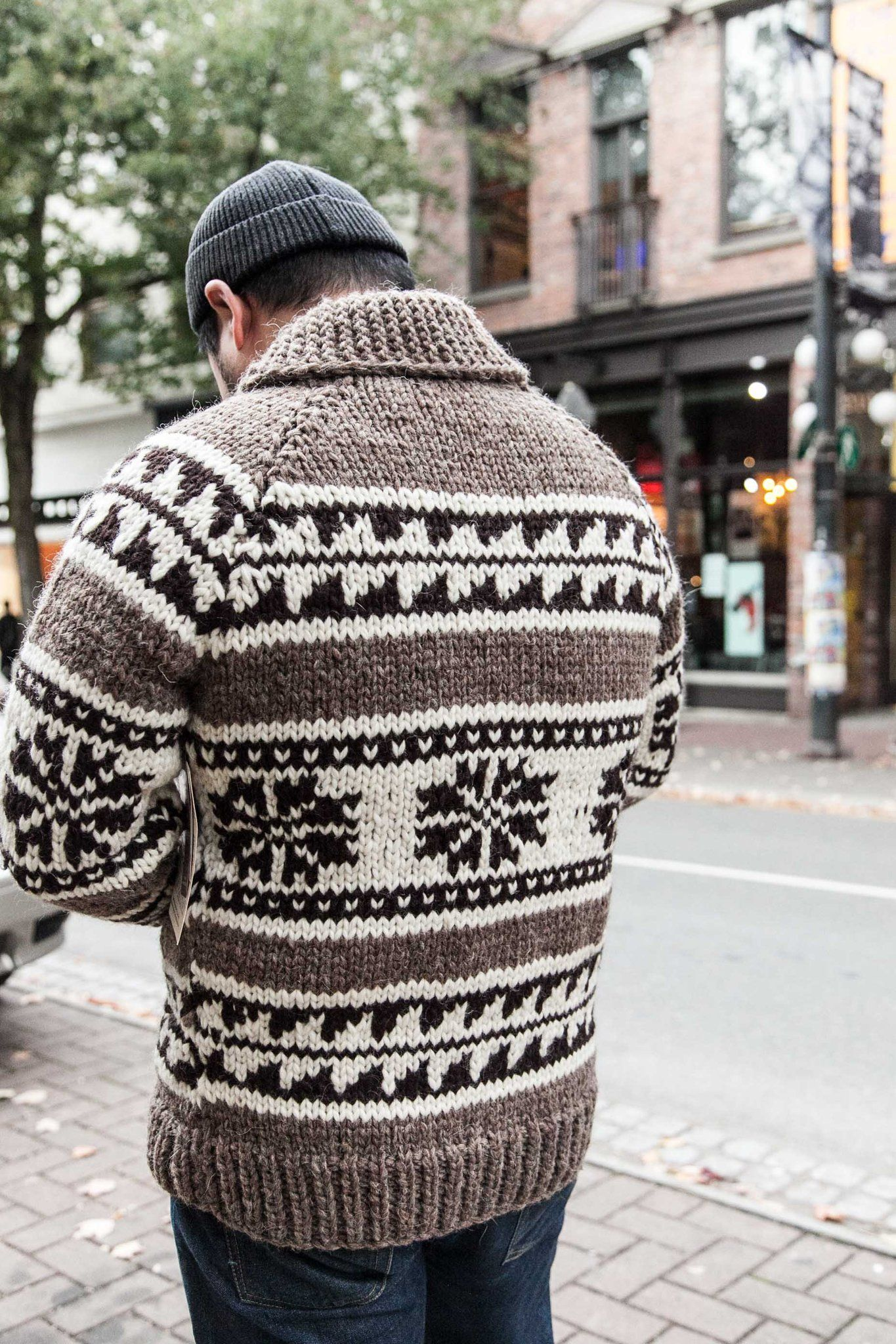 """COWICHAN SWEATER """"SNOWFLAKE"""" Crafternoon Mens knit"""