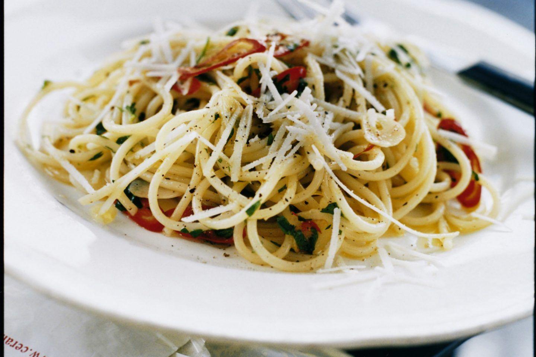 Spaghetti Med Vitlok Och Chili Receita