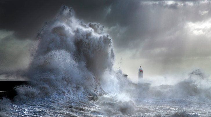 Pin for Later: Prepare For Your Jaw to Drop After Seeing 2015's Top Photos Stormy Porthcawl